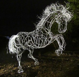 Temporal-wire sculpture-Cynthia Saenz- 2.30x2.50x0.70mt